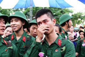 thanh niên lên đường tham gia nghĩa vụ quân sự.jpg