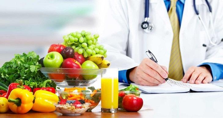 Chế độ sinh hoạt và dinh dưỡng hợp lý là yếu tố giúp hỗ trợ điều trị sỏi mật